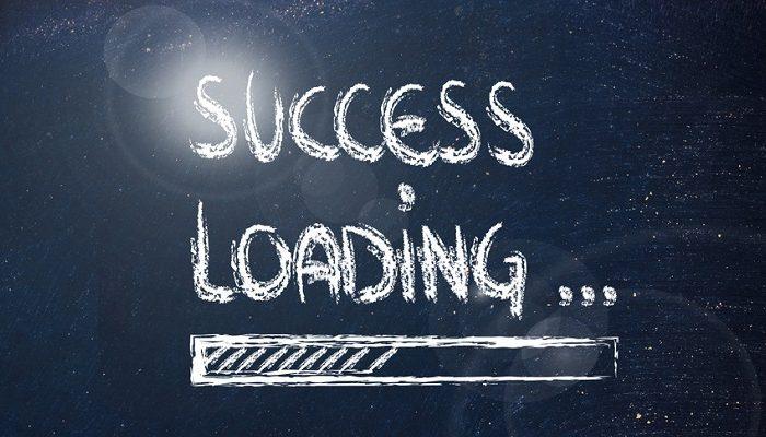 10 paşi spre succes